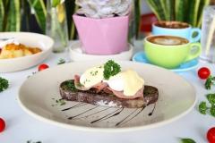 AkademyaRestaurant_EggsBenedictClassic (1)